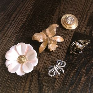 Jewelry - Vintage flower pearl gold silver stone brooch lot